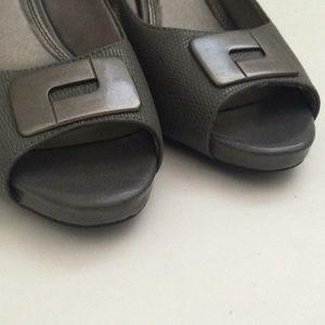 Life Stride Shoes - Life Stride Women Peep Toed Heel Gray 9.5M